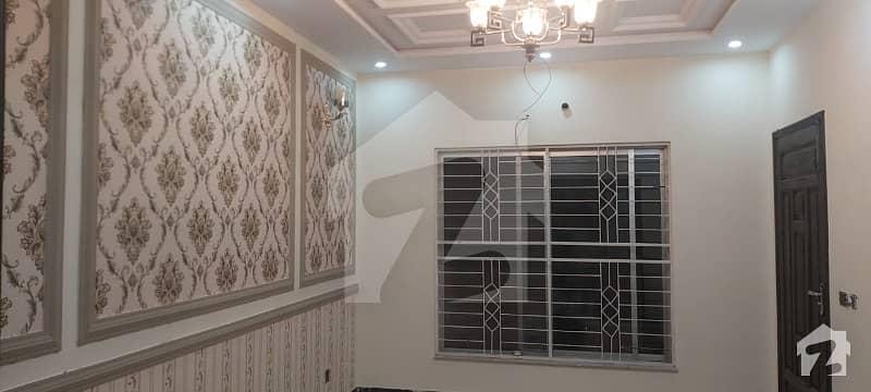 نشیمنِ اقبال فیز 1 نشیمنِ اقبال لاہور میں 5 کمروں کا 10 مرلہ مکان 2.15 کروڑ میں برائے فروخت۔