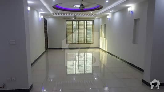 2450  Square Feet House Is Available For Sale In G-13