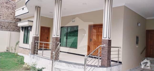 ارباب سبز علی خان ٹاؤن ورسک روڈ پشاور میں 7 کمروں کا 15 مرلہ مکان 60 ہزار میں کرایہ پر دستیاب ہے۔