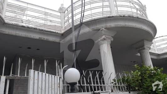 گلستانِِ جوہر ۔ بلاک 17 گلستانِ جوہر کراچی میں 5 کمروں کا 10 مرلہ مکان 3 لاکھ میں کرایہ پر دستیاب ہے۔