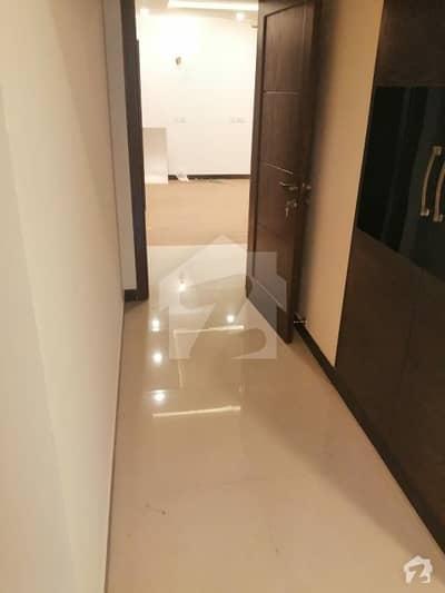 ایف ۔ 10 اسلام آباد میں 3 کمروں کا 9 مرلہ فلیٹ 2.75 کروڑ میں برائے فروخت۔