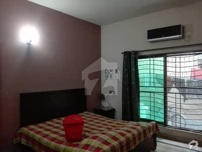 ایل ڈی اے ایوینیو ۔ بلاک جے ایل ڈی اے ایوینیو لاہور میں 5 کمروں کا 10 مرلہ مکان 1.85 کروڑ میں برائے فروخت۔