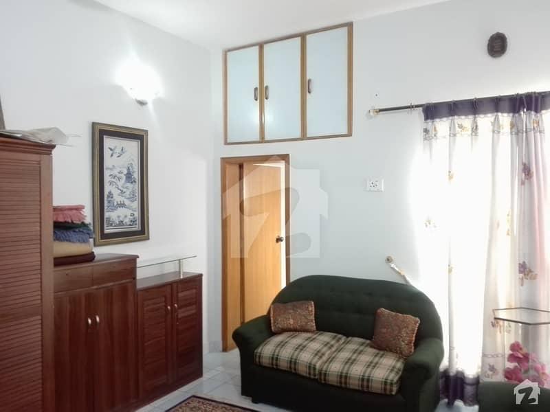 ایل ڈی اے ایوینیو ۔ بلاک جے ایل ڈی اے ایوینیو لاہور میں 5 کمروں کا 10 مرلہ مکان 1.75 کروڑ میں برائے فروخت۔
