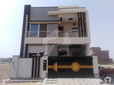 پارک ویو ولاز ۔ جیڈ ایکسٹینشن بلاک پارک ویو ولاز لاہور میں 4 کمروں کا 5 مرلہ مکان 1.18 کروڑ میں برائے فروخت۔