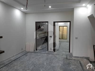 پاک عرب ہاؤسنگ سوسائٹی لاہور میں 1 کمرے کا 6 مرلہ زیریں پورشن 20 ہزار میں کرایہ پر دستیاب ہے۔