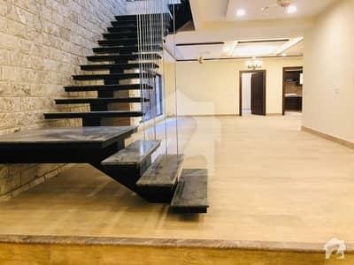 ایف ۔ 7 اسلام آباد میں 6 کمروں کا 1.07 کنال مکان 21 کروڑ میں برائے فروخت۔