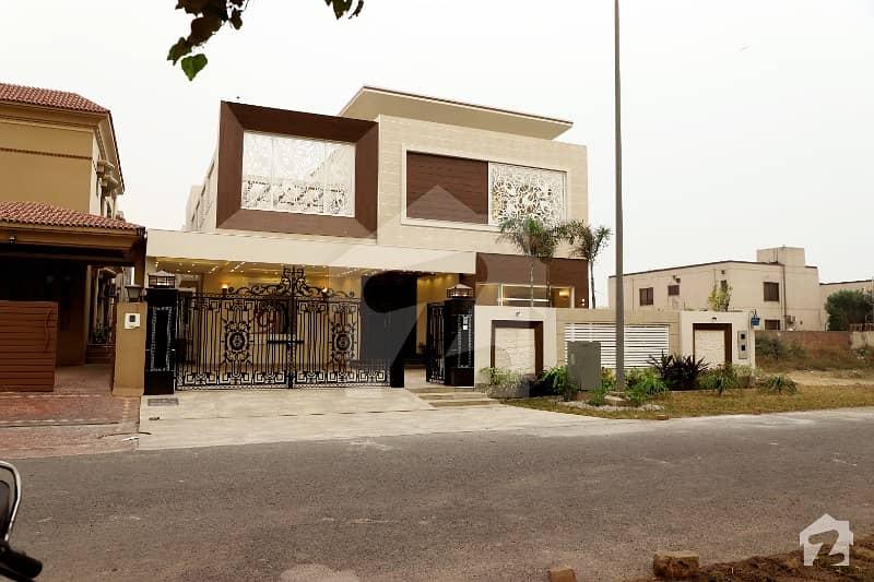 ڈی ایچ اے فیز 6 - بلاک جے فیز 6 ڈیفنس (ڈی ایچ اے) لاہور میں 5 کمروں کا 1 کنال مکان 4.68 کروڑ میں برائے فروخت۔