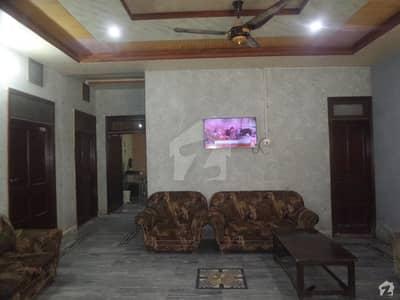 ڈی گراؤنڈ فیصل آباد میں 3 کمروں کا 7 مرلہ مکان 28 ہزار میں کرایہ پر دستیاب ہے۔