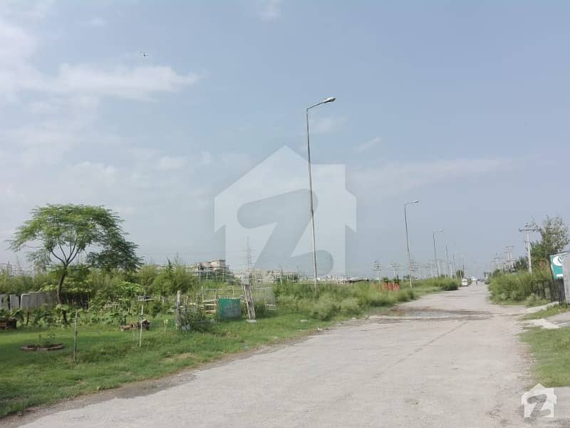 7 Marla Level Plot For Sale Outstanding Location