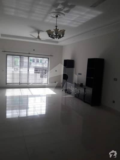 Independent 1 Kanal Upper Portion For Rent
