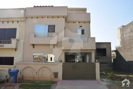 بحریہ ٹاؤن فیز 8 ۔ علی بلاک بحریہ ٹاؤن فیز 8 ۔ سفاری ویلی بحریہ ٹاؤن فیز 8 بحریہ ٹاؤن راولپنڈی راولپنڈی میں 4 کمروں کا 5 مرلہ مکان 1.12 کروڑ میں برائے فروخت۔