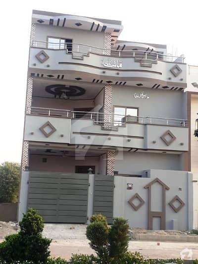 گلبرگ ٹاؤن ملتان روڈ ڈیرہ غازی خان میں 8 کمروں کا 5 مرلہ مکان 1.5 کروڑ میں برائے فروخت۔