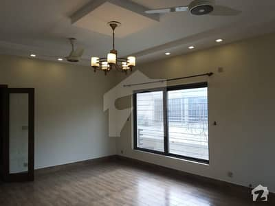 Fully Renovated 3 Bedrooms Upper Portion Available For Rent F_8