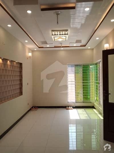 لیک سٹی رائیونڈ روڈ لاہور میں 5 کمروں کا 7 مرلہ مکان 1.7 کروڑ میں برائے فروخت۔