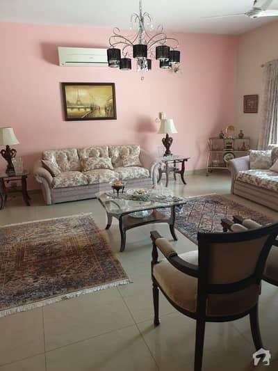 ایف ۔ 11/3 ایف ۔ 11 اسلام آباد میں 7 کمروں کا 1 کنال مکان 9.5 کروڑ میں برائے فروخت۔