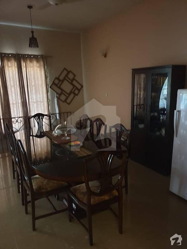 ایف ۔ 10/1 ایف ۔ 10 اسلام آباد میں 5 کمروں کا 1.02 کنال مکان 6.75 کروڑ میں برائے فروخت۔