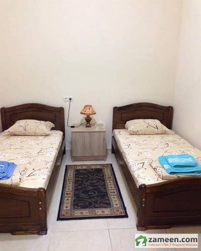 Room For Rent In Cheapest Hostel For Girls With All Facilities Near Bagh E Jinnah