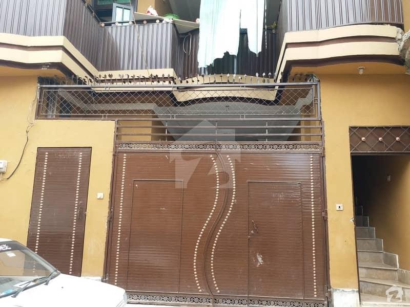 ورسک روڈ پشاور میں 6 کمروں کا 5 مرلہ مکان 1.1 کروڑ میں برائے فروخت۔