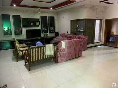1 Kanal Lower Portion In Central Iqbal Avenue For Rent