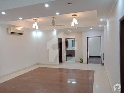 بزنس بے ڈی ایچ اے ڈی ایچ اے ڈیفینس فیز 1 ڈی ایچ اے ڈیفینس اسلام آباد میں 3 کمروں کا 6 مرلہ فلیٹ 55 ہزار میں کرایہ پر دستیاب ہے۔