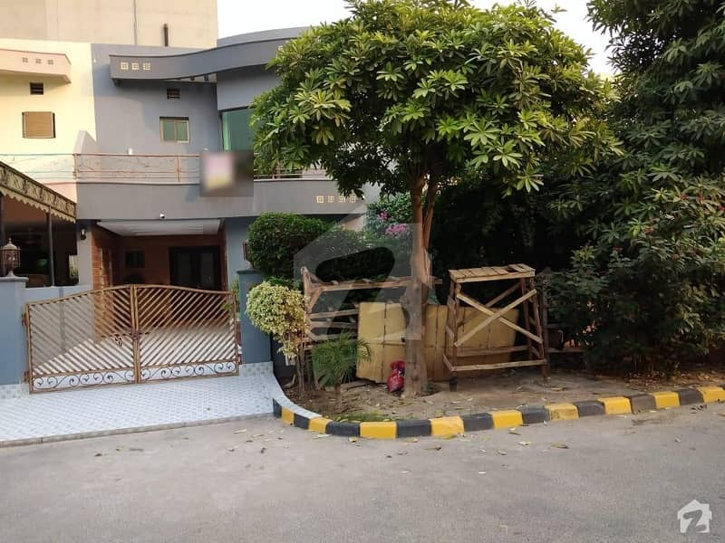 House Of 8 Marla In Divine Gardens For Sale