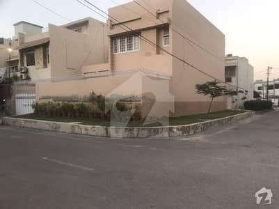 گلستان جوہر - بلاک 16-A گلستانِ جوہر کراچی میں 5 کمروں کا 1 مرلہ مکان 6 کروڑ میں برائے فروخت۔