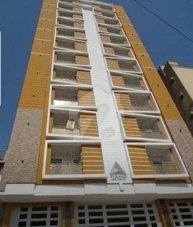 کلفٹن ۔ بلاک 2 کلفٹن کراچی میں 3 کمروں کا 5 مرلہ فلیٹ 1.8 کروڑ میں برائے فروخت۔