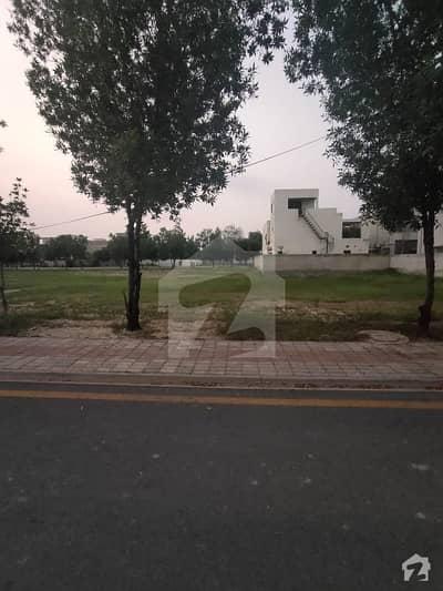 بحریہ ٹاؤن نشتر بلاک بحریہ ٹاؤن سیکٹر ای بحریہ ٹاؤن لاہور میں 1 کنال رہائشی پلاٹ 1.7 کروڑ میں برائے فروخت۔