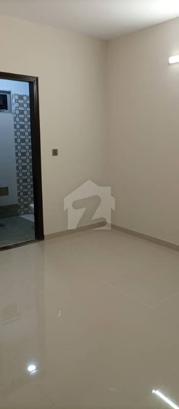 Flat Of 580  Square Feet In D. H. A For Rent