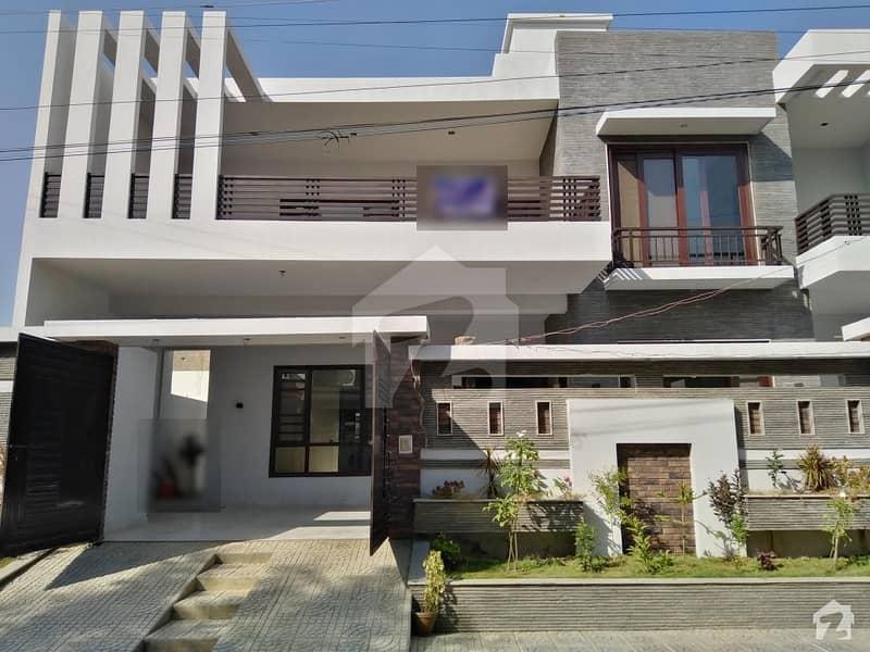 سعدی ٹاؤن - بلاک تین سعدی ٹاؤن سکیم 33 کراچی میں 6 کمروں کا 16 مرلہ مکان 4.1 کروڑ میں برائے فروخت۔