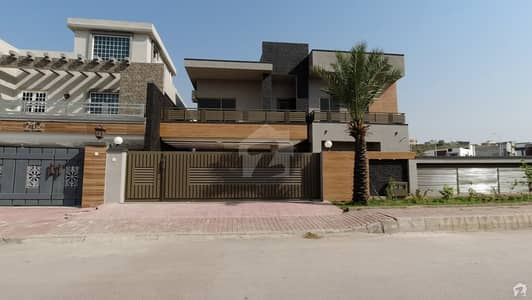 1 Kanal Semi Furnished Designer House For Sale In Bahria Town Usman D Phase VIII