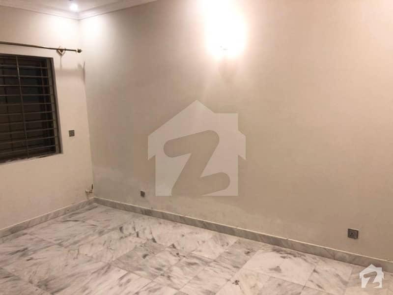 D. 12 (4 Marlla ) Full Houses For Rent