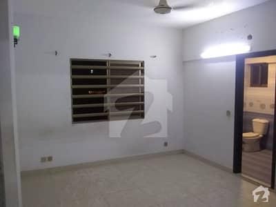 خالد بِن ولید روڈ کراچی میں 3 کمروں کا 7 مرلہ فلیٹ 75 ہزار میں کرایہ پر دستیاب ہے۔