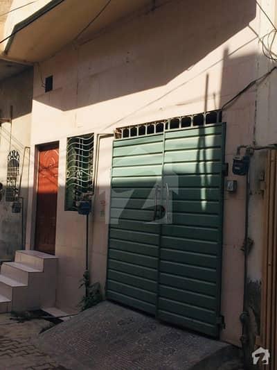 ادرز چشتیاں شریف میں 3 کمروں کا 9 مرلہ مکان 32 لاکھ میں برائے فروخت۔
