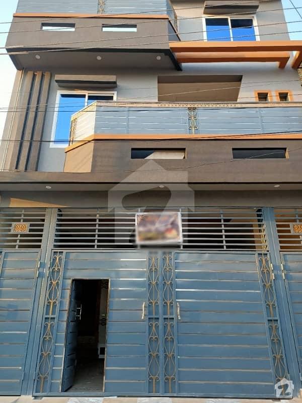 حیات آباد فیز 7 - ای5 حیات آباد فیز 7 حیات آباد پشاور میں 8 کمروں کا 5 مرلہ مکان 2.35 کروڑ میں برائے فروخت۔