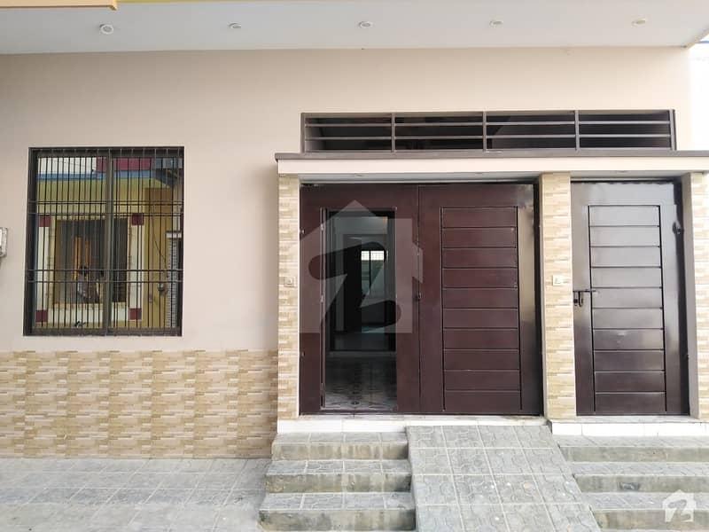 سادی ٹاؤن - بلاک 5 سعدی ٹاؤن سکیم 33 کراچی میں 4 کمروں کا 5 مرلہ مکان 1.55 کروڑ میں برائے فروخت۔