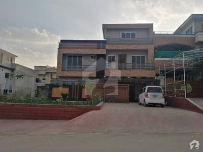 40x80 Beautiful House For Sale In G13 Islamabad