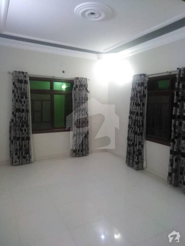 گلستانِِ جوہر ۔ بلاک 3 گلستانِ جوہر کراچی میں 6 کمروں کا 10 مرلہ مکان 3.9 کروڑ میں برائے فروخت۔