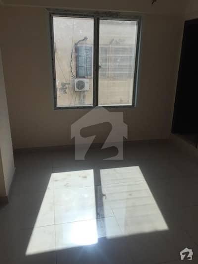 بخاری کمرشل ایریا ڈی ایچ اے فیز 6 ڈی ایچ اے ڈیفینس کراچی میں 2 کمروں کا 2 مرلہ فلیٹ 32 ہزار میں کرایہ پر دستیاب ہے۔