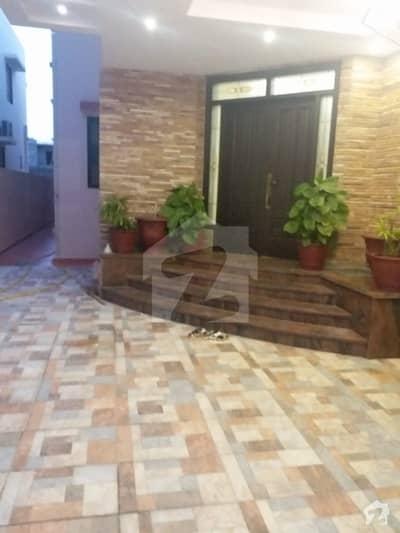 ڈی ایچ اے فیز 7 ڈی ایچ اے کراچی میں 2 کمروں کا 1 کنال مکان 8 کروڑ میں برائے فروخت۔