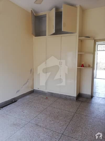آئی ۔ 9/4 آئی ۔ 9 اسلام آباد میں 3 کمروں کا 5 مرلہ مکان 1.62 کروڑ میں برائے فروخت۔