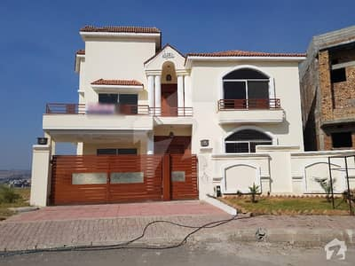 1.37 Kanal House For Sale In Bahria Town Phase 8 - Sector F-1