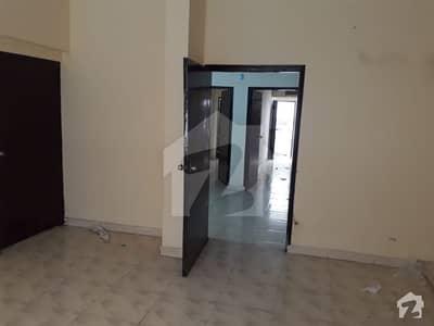 کمرشل ایریا ڈی ایچ اے فیز 2 ایکسٹینشن ڈی ایچ اے ڈیفینس کراچی میں 2 کمروں کا 4 مرلہ فلیٹ 35 ہزار میں کرایہ پر دستیاب ہے۔