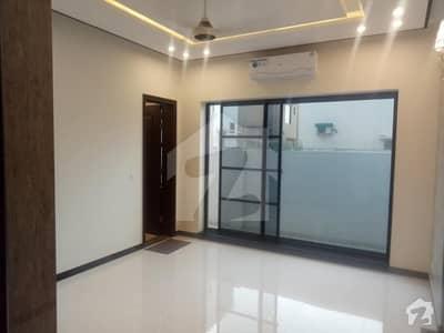 ڈی ایچ اے فیز 1 - سیکٹر ڈی ڈی ایچ اے ڈیفینس فیز 1 ڈی ایچ اے ڈیفینس اسلام آباد میں 9 کمروں کا 14 مرلہ مکان 3.75 کروڑ میں برائے فروخت۔