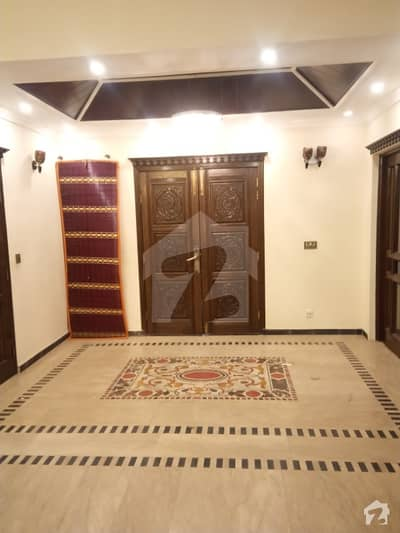 Lower Portion Of 4500  Square Feet In Dha Defence Is Available