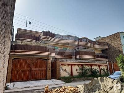 آفیسرز گارڈن کالونی ورسک روڈ پشاور میں 7 کمروں کا 18 مرلہ مکان 4.6 کروڑ میں برائے فروخت۔