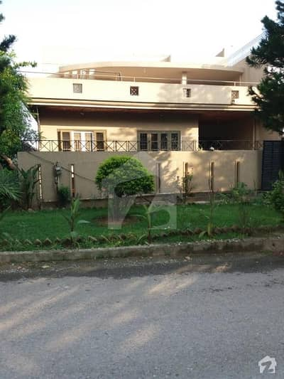 In G-9 3200  Square Feet House For Sale