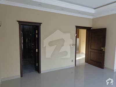 1 Kanal Upper Portion Available For Rent With Car Parking