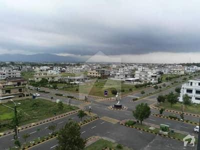 ایم پی سی ایچ ایس - بلاک بی ایم پی سی ایچ ایس ۔ ملٹی گارڈنز بی ۔ 17 اسلام آباد میں 1 کنال رہائشی پلاٹ 1.3 کروڑ میں برائے فروخت۔