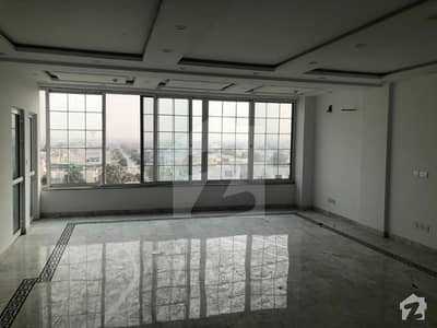4 Marla Commercial Office 3rd Floor Available For Rent In Dha Phase 6 Mb